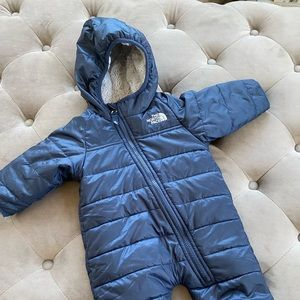 Northface winter sack suit newborn